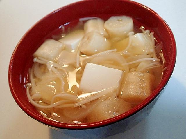 えのき茸と新玉葱と豆腐とお麩のお吸い物