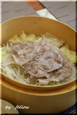 塩麹漬けの豚肉の蒸籠蒸し