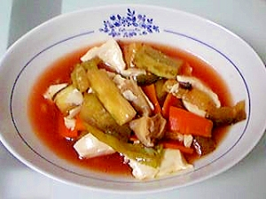 夏野菜たっぷりヘルシートマトスープ