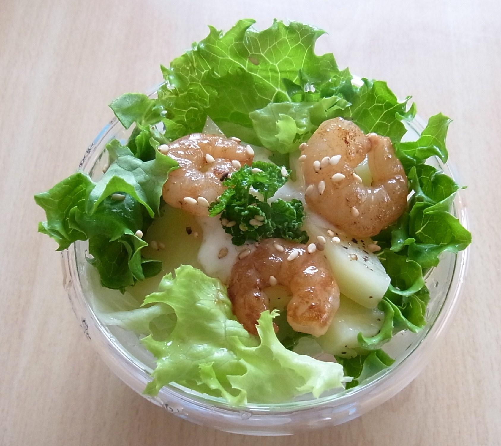 えびとポテトのヨーグルトドレッシングサラダ