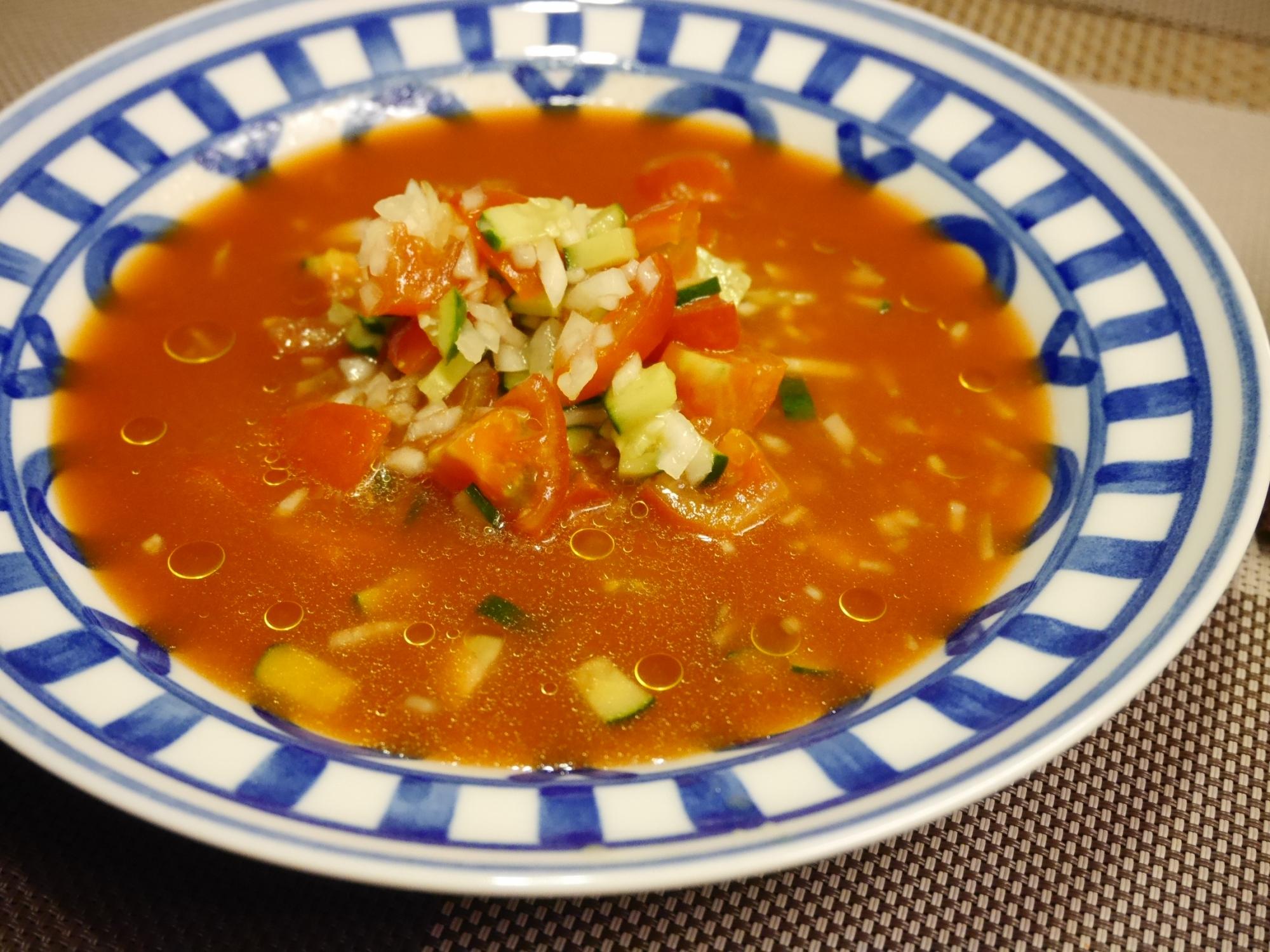 トマトジュースでガスパチョ風★刻み野菜の冷製スープ
