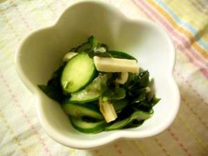 簡単副菜!キュウリとワカメとちくわの酢の物