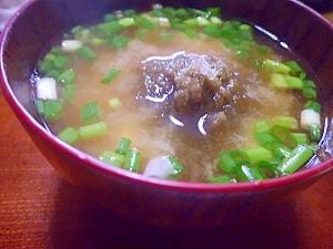 豆腐と青ネギ&とろろ昆布の味噌汁