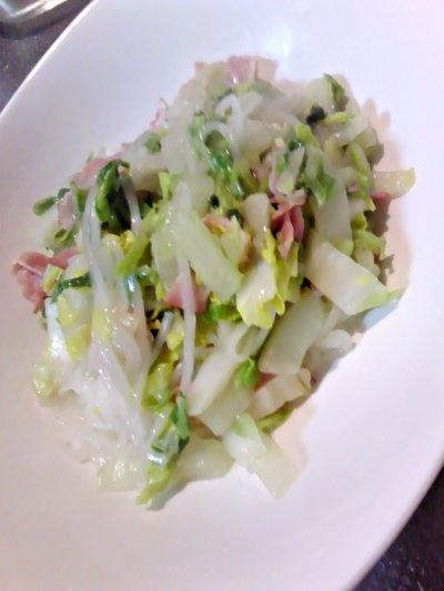 はるさめ麺で白菜とベーコンのペペロン風