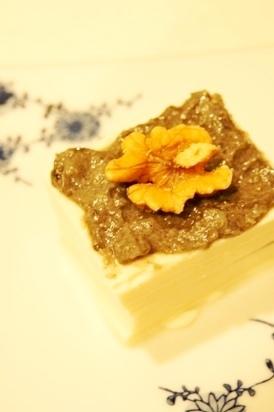 スイーツ感覚のマクロ美デリ、豆腐の黒酒粕クリーム