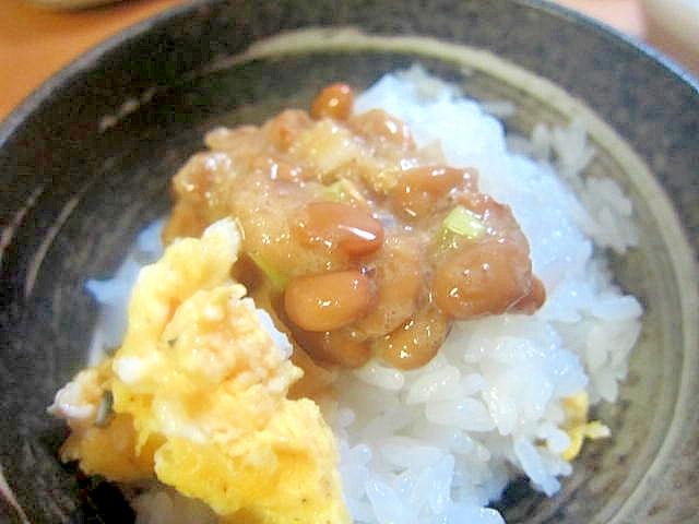 炒り卵納豆丼
