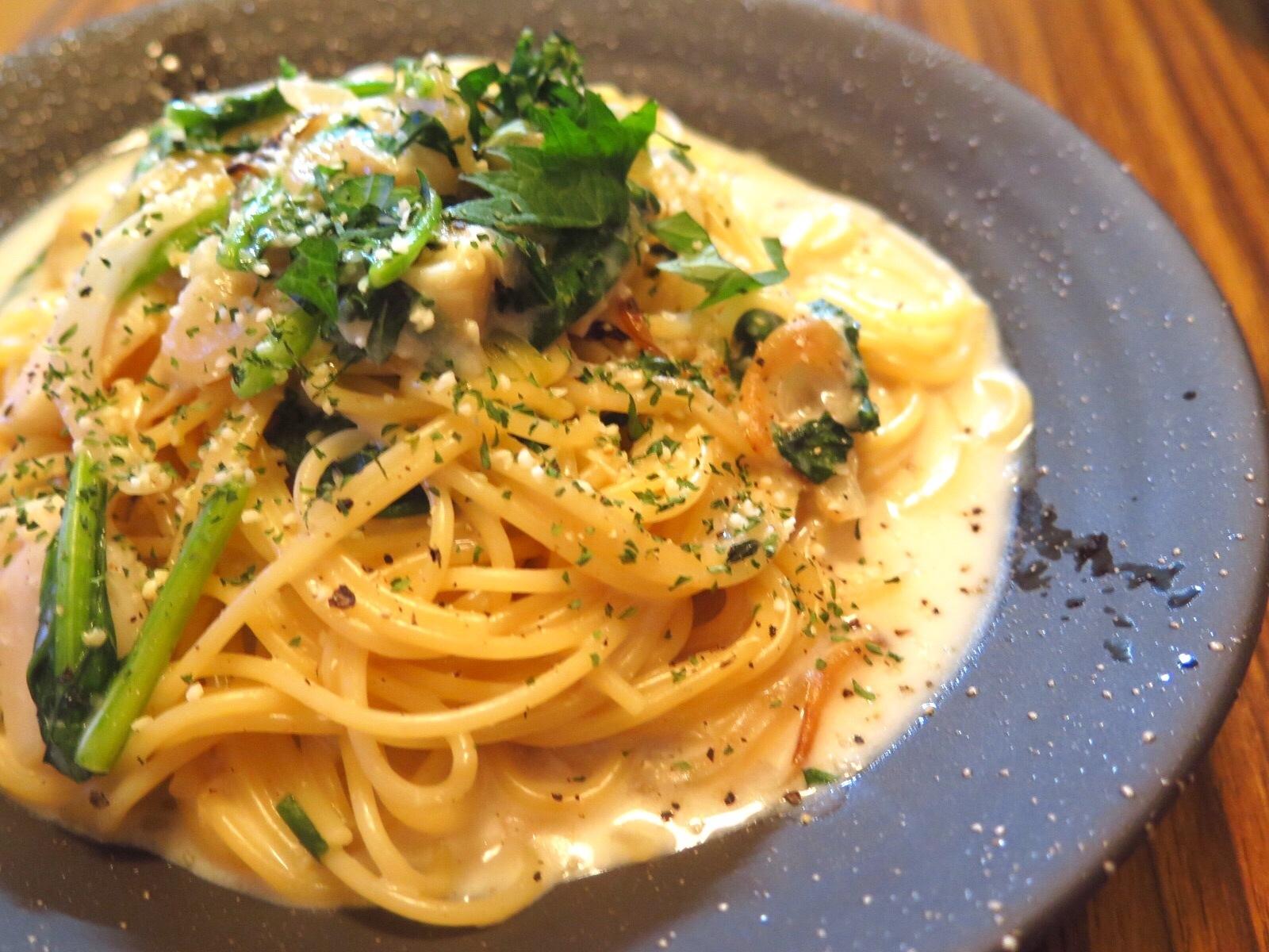 4. ホタテと大葉の味噌クリームパスタ