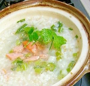 1. ちょっと食欲がない時に、白だしで鮭雑炊
