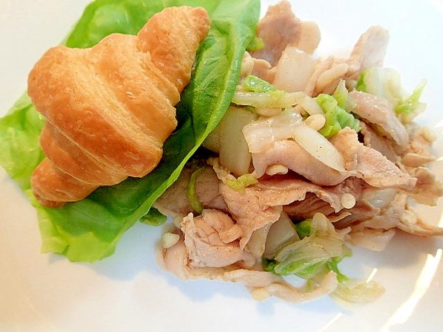 茹で豚白菜プルコギ和えとクロワッサンのワンプレート