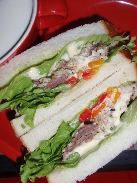 メカジキのメイプルわさび風味サンドウィッチ