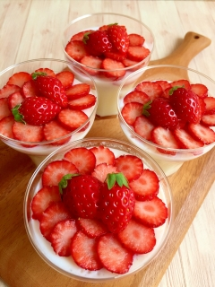 贅沢イチゴの練乳ミルクプリン♪