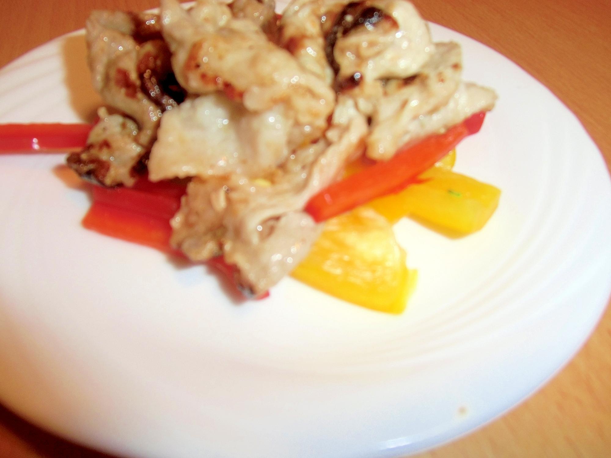 豚肉とカラーピーマンのナンプラーマヨ炒め