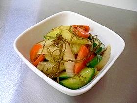 納豆昆布で簡単♪あっさり野菜の醤油漬け♪