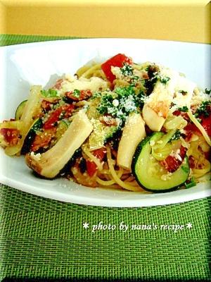 塩麹で夏野菜とベーコンのさっぱりパスタ