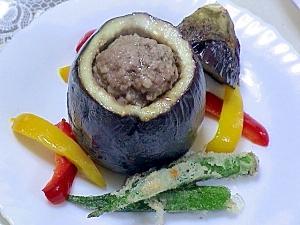 茄子の器のチーズハンバーグ