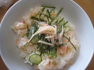 きゅうりと鮭のちらし寿司