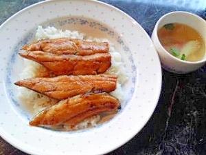 これは美味しい!秋刀魚の蒲焼丼