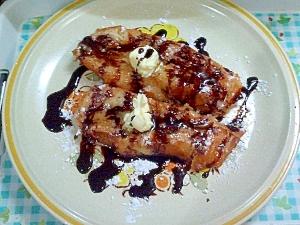 ハーシーチョコレートシロップ蜂蜜フレンチトースト