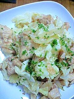 鶏肉と玉ねぎとキャベツのガラムマサラ炒め