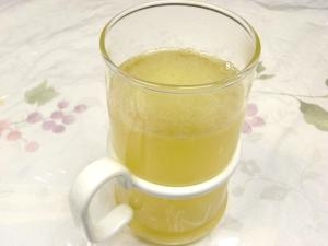 風邪を撃退!レンジでホットジンジャーりんごジュース レシピ ...
