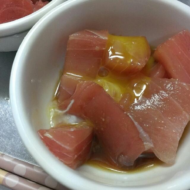 簡単おつまみ☆まぐろの柚子ポン漬け