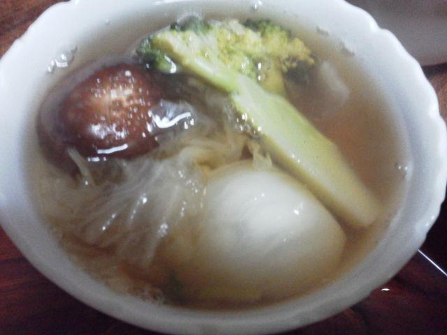 かぶと椎茸、ブロッコリー白菜のおつゆ