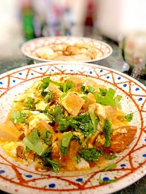 簡単クッキング☆やきとり缶詰と高野豆腐の卵とじ