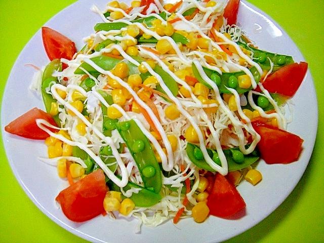 スナップエンドウとコーンのカラフルサラダ