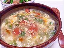 セロリとトマトの酸辣湯