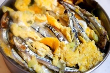 弁当救世主伝説274、きびなごふんわり卵とじ丼