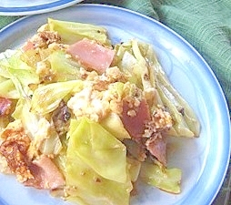 主菜になるキャベツ炒め+ベーコン
