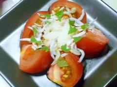 簡単♪おつまみ♪しらすと大根おろしのトマトサラダ
