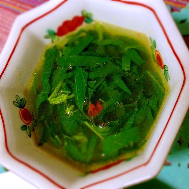 ほどよくトロ~リ、モロヘイヤの中華風スープ