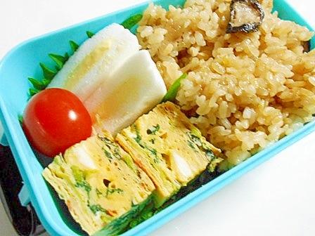 椎茸と油揚げの炊き込みご飯弁当