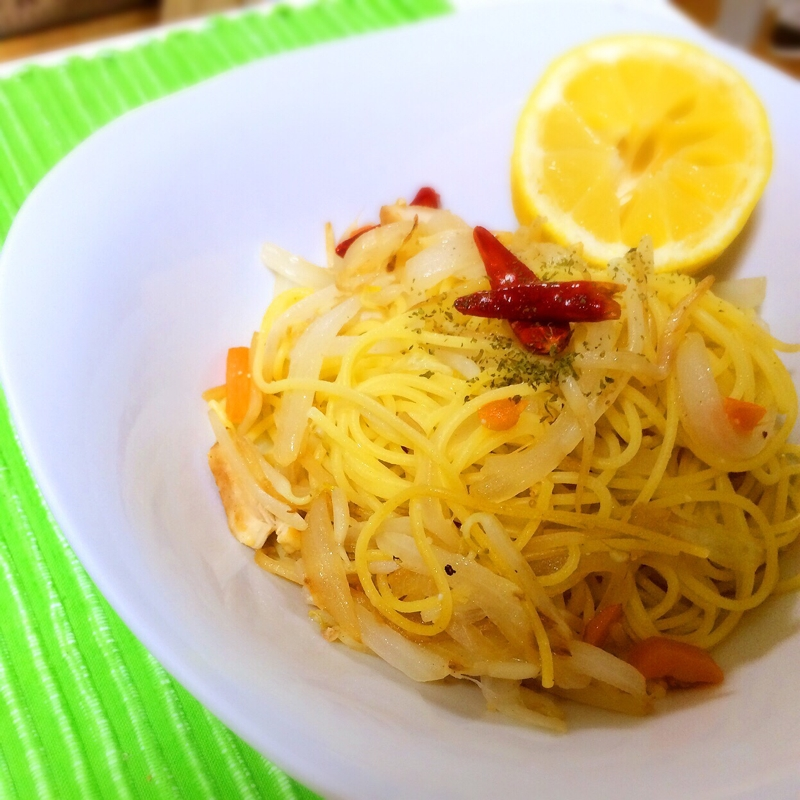 簡単レモンの野菜いっぱいコンソメパスタで疲労回復