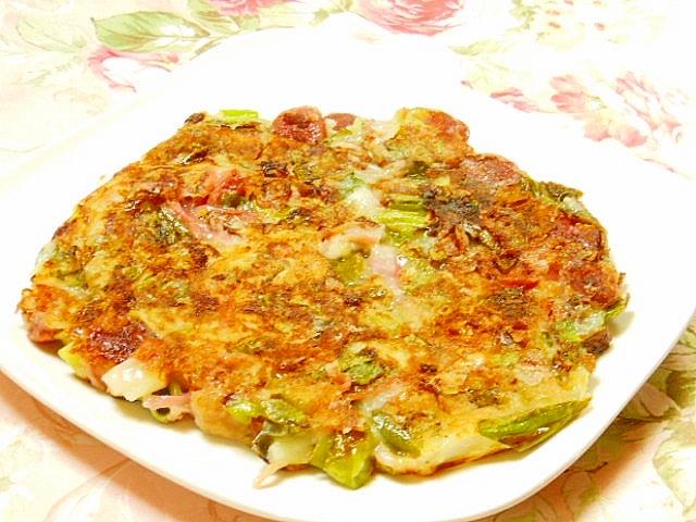 葱と紅生姜とイカとウィンナーのお好み焼き