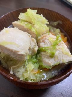 柔らかムネ肉のエスニックヘルシー鍋