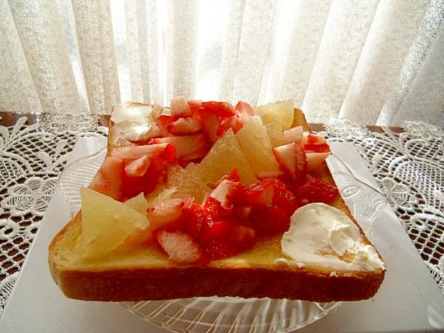 フルーツトースト