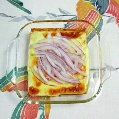 厚揚げのトースター焼きに、赤玉葱~♪