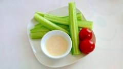 マヨ塩麹ディップでキュウリスティック