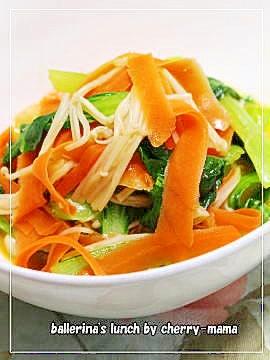 お弁当に★青梗菜とにんじん、エノキのバター麺つゆ レシピ・作り方