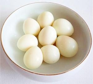 ウズラ の 卵 茹で 方