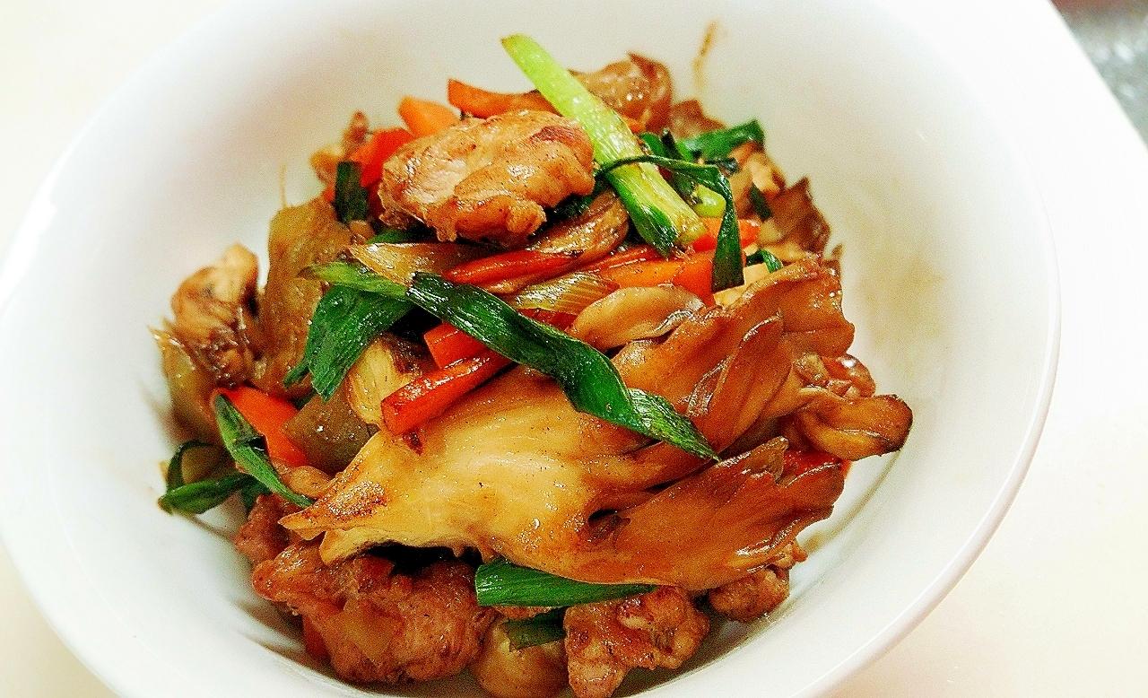 鶏とニラ、舞茸の炒め物