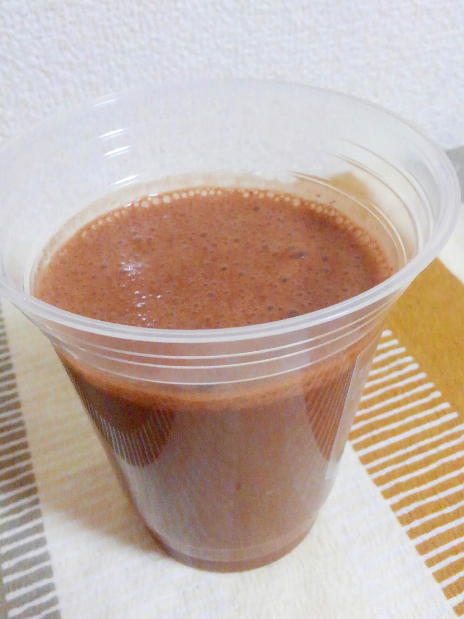 12. アーモンドミルクで作るチョコバナナスムージー