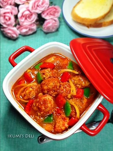 ホットなミートボールとパプリカのアンチョビトマト煮