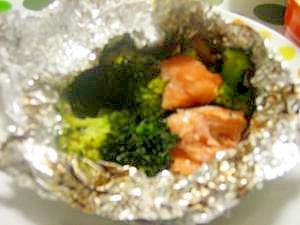簡単&ヘルシー☆鮭とブロッコリーのホイル焼き