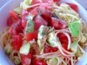 アボカド&トマトの冷製パスタ