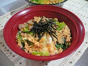 小松菜と挽き肉の玉子丼
