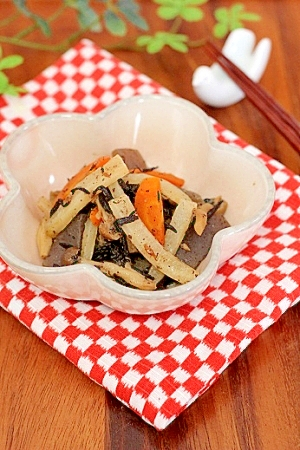 副菜にお勧め♪根菜とひじきの炊き合わせ