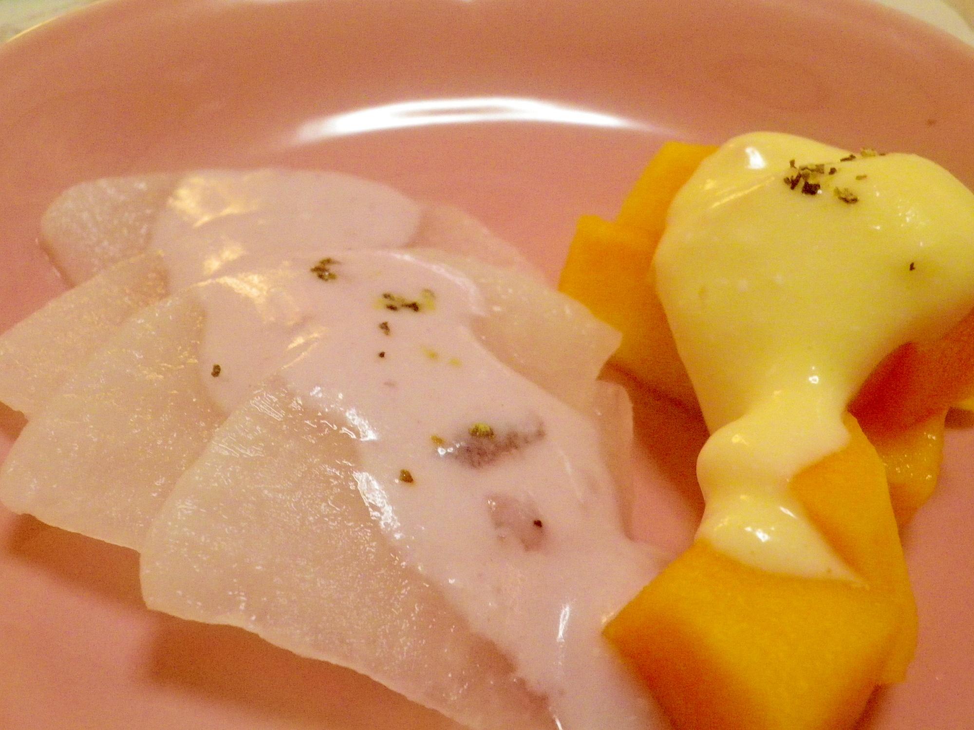 大根とパパイヤの2色ソースサラダ